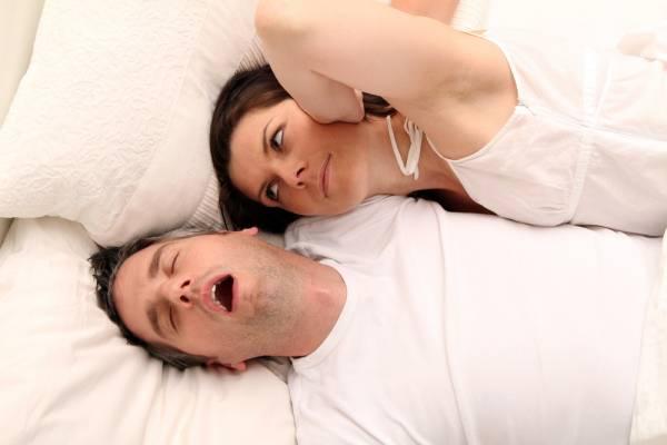 Komoly betegségek tünete is lehet a horkolás