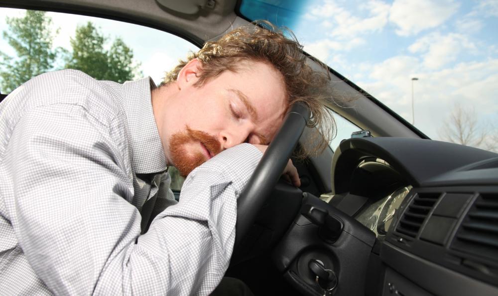 Kezeletlen alvászavarral nem vezethetünk