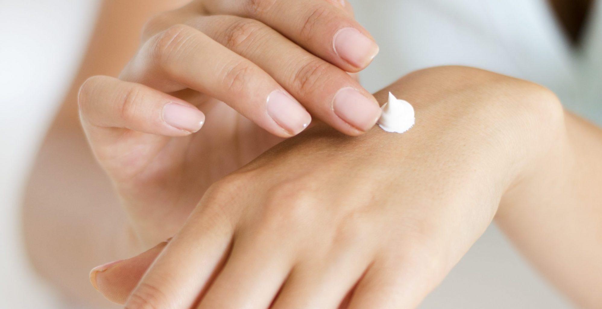 Saját kézkrémet fejlesztett bőrgyógyászunk, dr. Tamási Béla